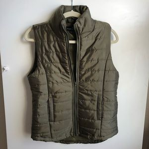 Rue 21 / Green Vest / Small